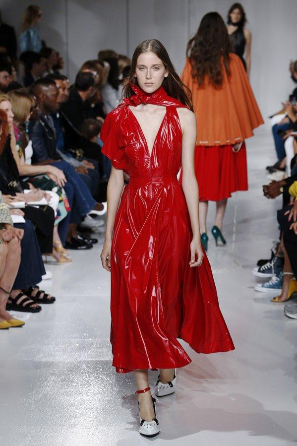 Sukienki midi - Calvin Klein wiosna lato 2018 (1)