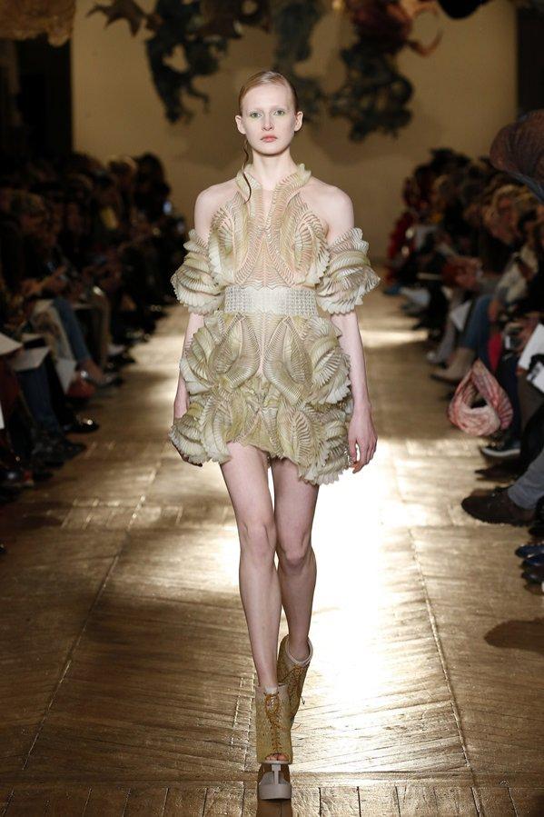 Iris van Herpen - Haute Couture wiosna 2018 (1)