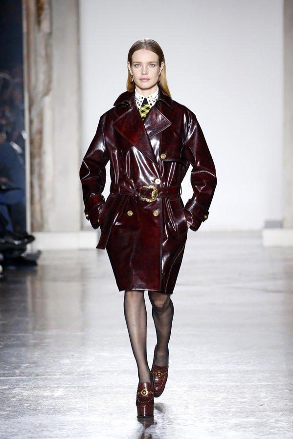 Versace jesień zima 2018/19 - trendy