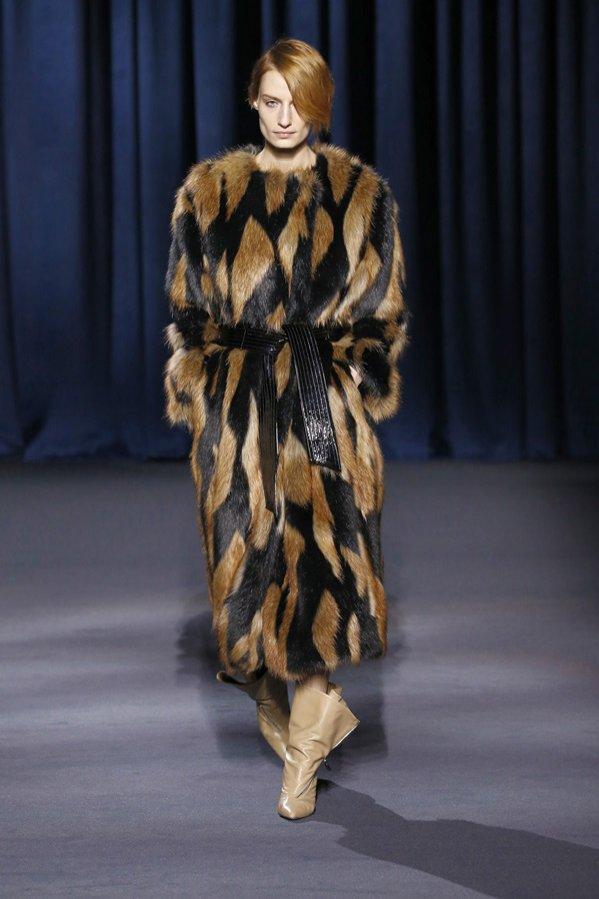 Givenchy jesień zima 2018/19 - pokaz mody (1)