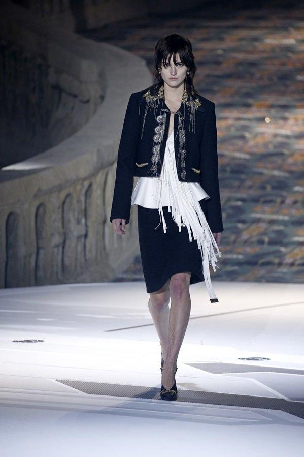 Louis Vuitton jesień zima 2018/19 - pokaz mody (1)
