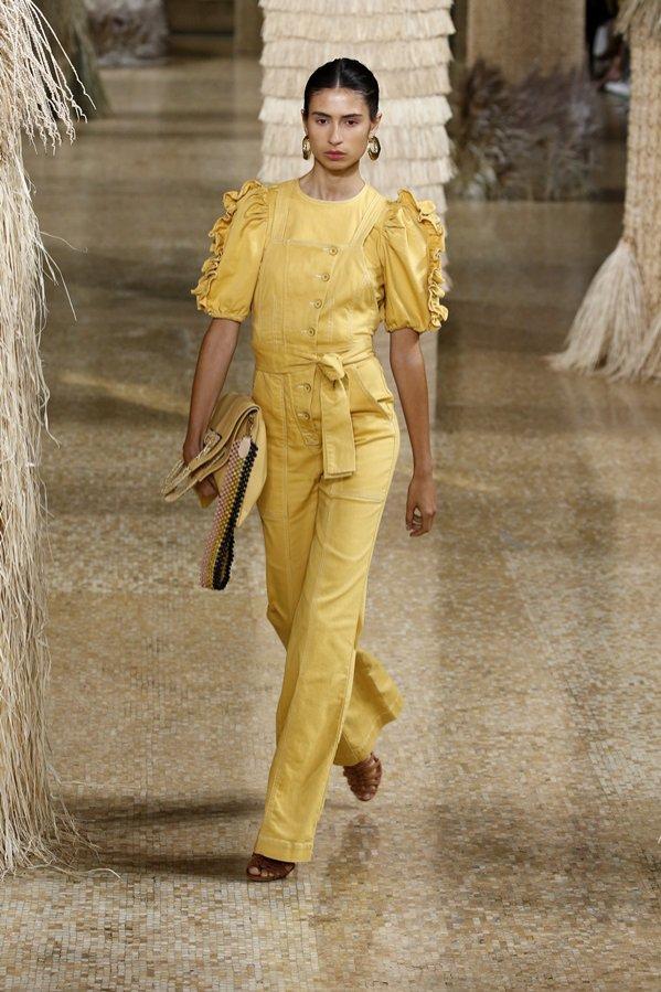 1. Ulla Johnson SS19 - modne wzory i kolory na wiosnę 2019