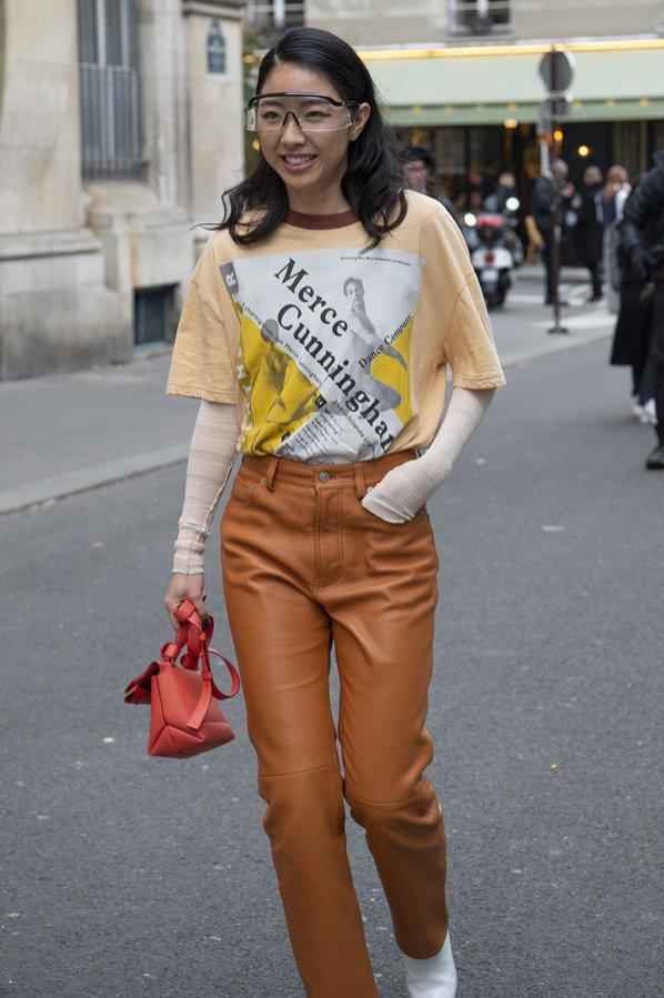 Skórzane miodowe spodnie - moda uliczna, jesień zima 2019/20