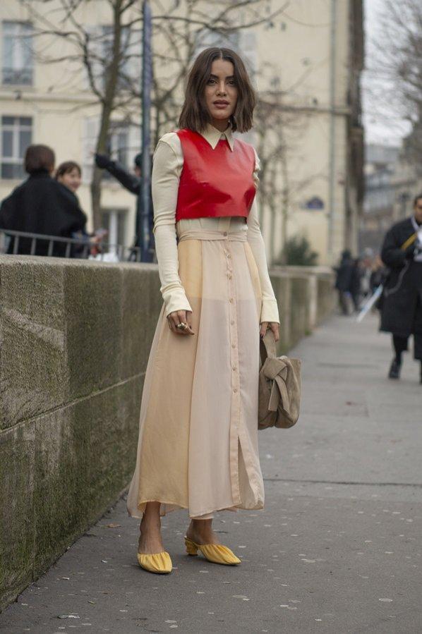 Transparentna maksi spódnica: moda uliczna, trendy jesień zima 2019/20