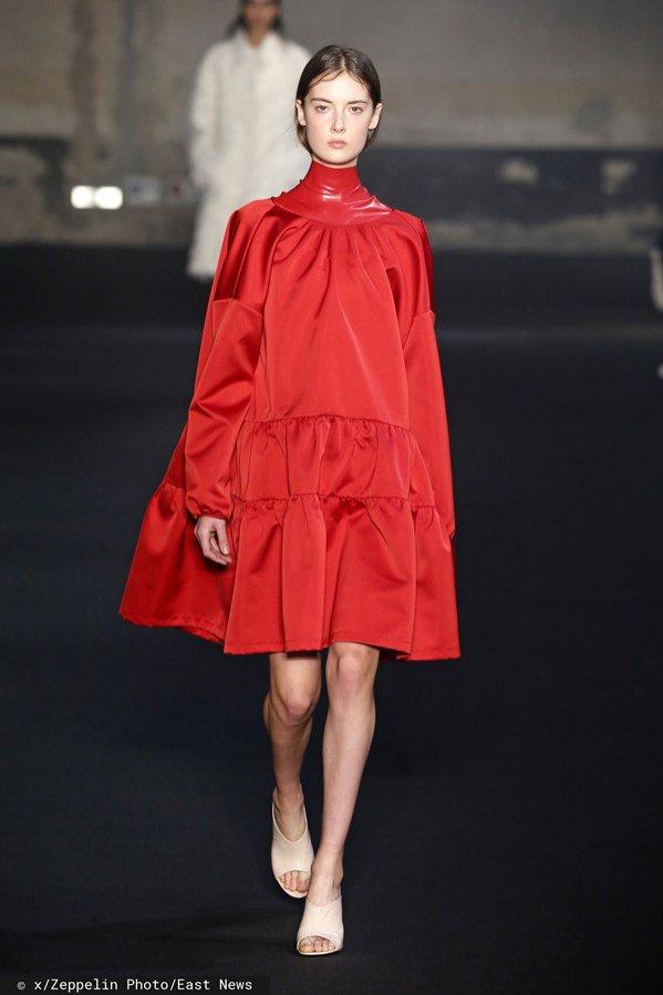 N 21, jesień zima 2019/20: czerwona sukienka
