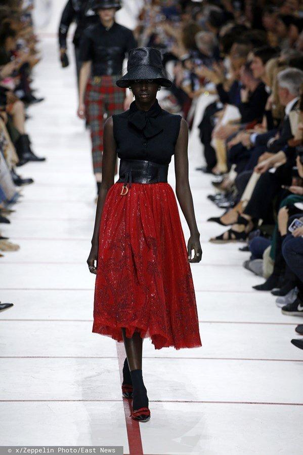 Rozkloszowana spódnica Dior, jesień zima 2019/20
