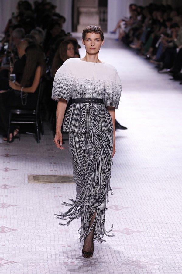 Givenchy - pokaz haute couture jesień zima 2019/20 (1)