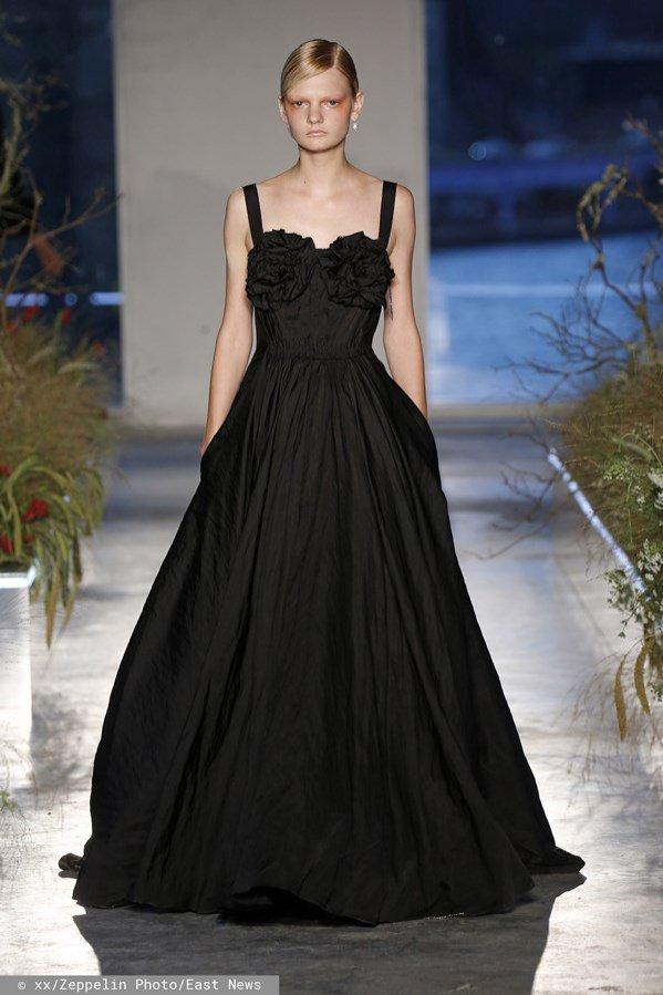 Czarna, balowa suknia - Jason Wu, wiosna lato 2020