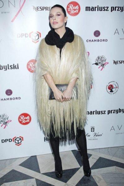 Ramona Rey na pokazie Mariusza Przybylskiego kolekcji na sezon jesień zima 2012/2013