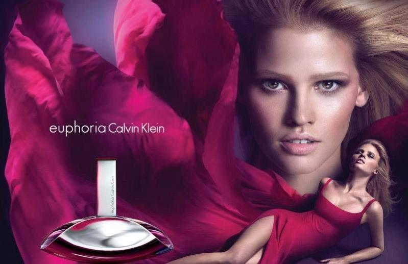 Lara Stone w kampanii zapachu euphoria Calvina Kleina