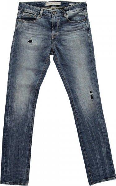 1. Kolekcja The FleX Jean® marki GUESS