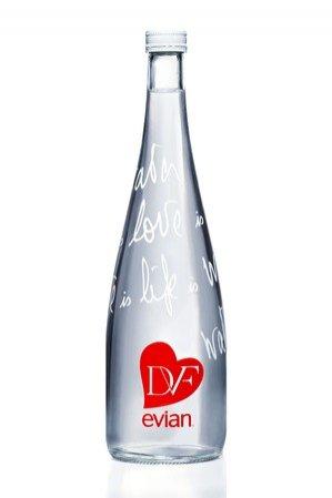 Butelka wody Evian projektu Diane von Furstenberg