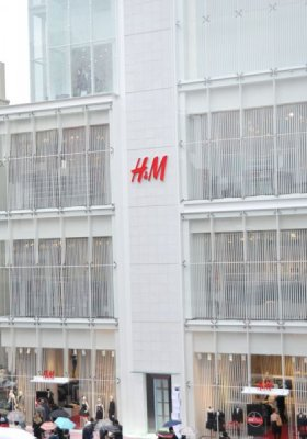 6% SPADEK SPRZEDAŻY W H&M