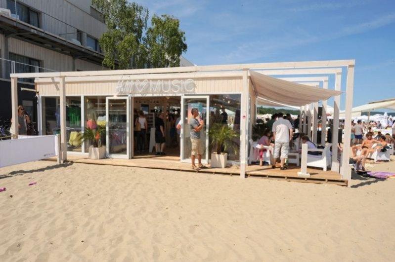 1. Pierwszy w Polsce outletowy pop-up store H&M