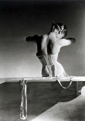 """""""HORST: PHOTOGRAPHER OF STYLE"""" – NOWA WYSTAWA W VICTORIA & ALBERT MUSEUM W LONDYNIE"""
