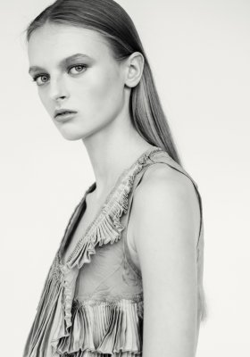 DOMINIKA PIKULA – NEW FACE AGENCJI NEW AGE MODELS