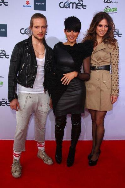 Nena (pośrodku) z synem i córką