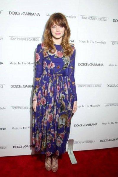 Emma Stone w sukience projektu Dolce&Gabbana z kolekcji jesień zima 2014/2015