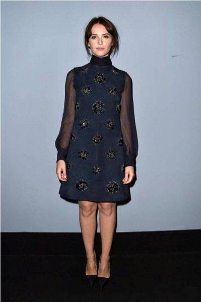 1. Felicity Jones w sukience Miu Miu