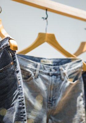 Jeansy, które wracają do łask