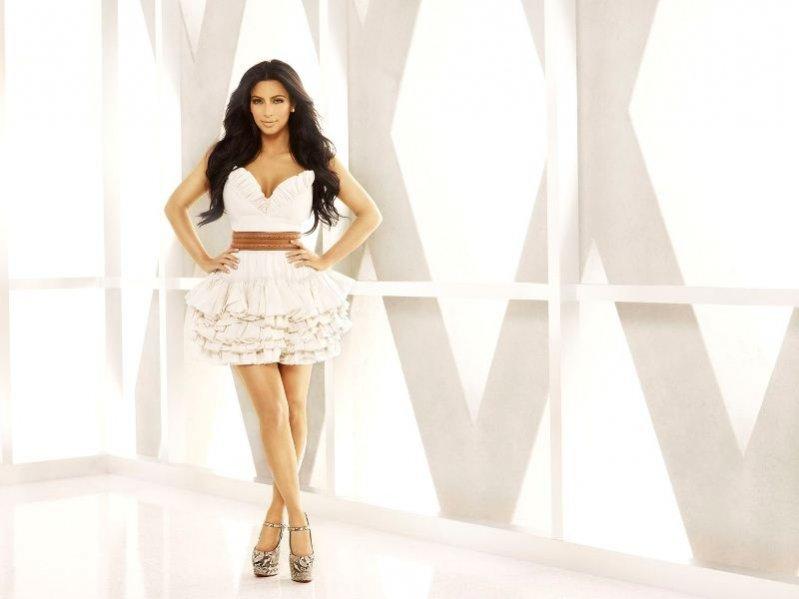 nowa linia kosmetyków sióstr Kardashian
