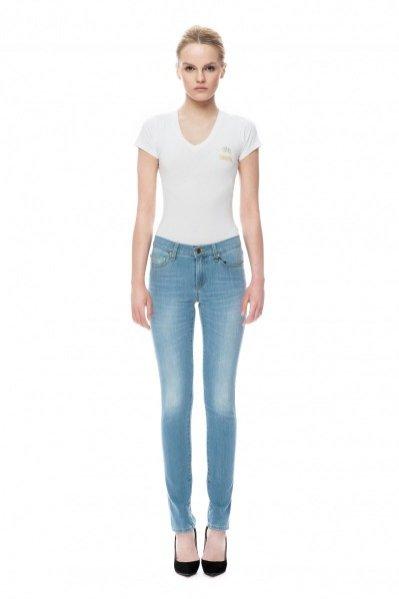 """1. Nagroda w konkursie """"Z kolekcji projektanta – wygraj nagrodę z linii La Mania Denim"""" - spodnie jeansowe typu rurki 490PLN"""