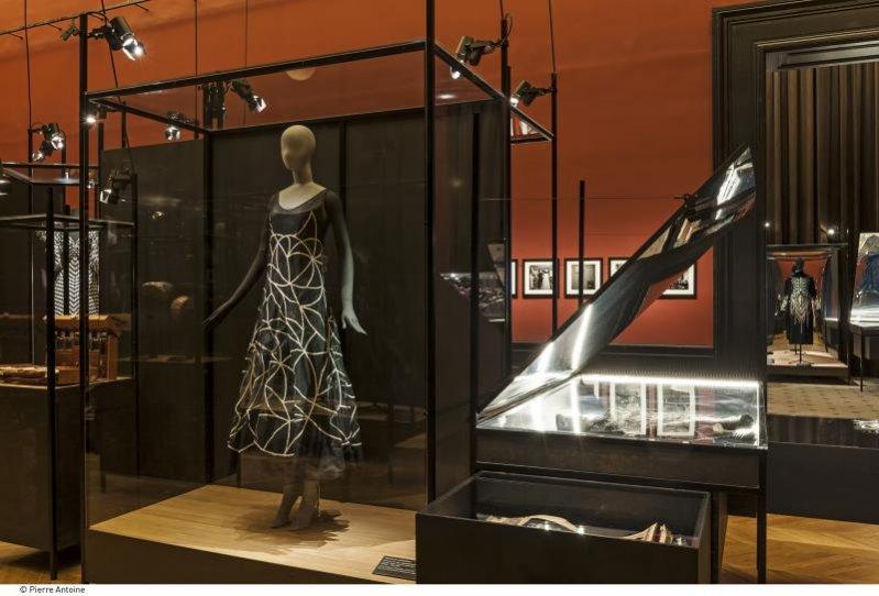 1. Retrospektywa twórczości Jeanne Lanvin w paryskim Palais Galliera