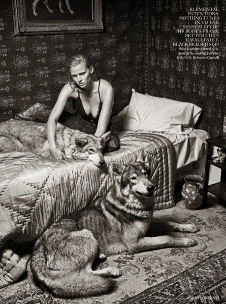 2. Lara Stone w sesji dla Vogue UK, wrzesień 2014