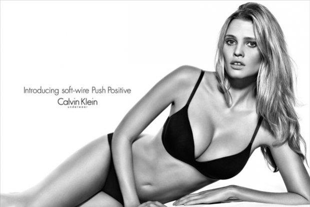 Lara Stone w kampanii Calvin Klein