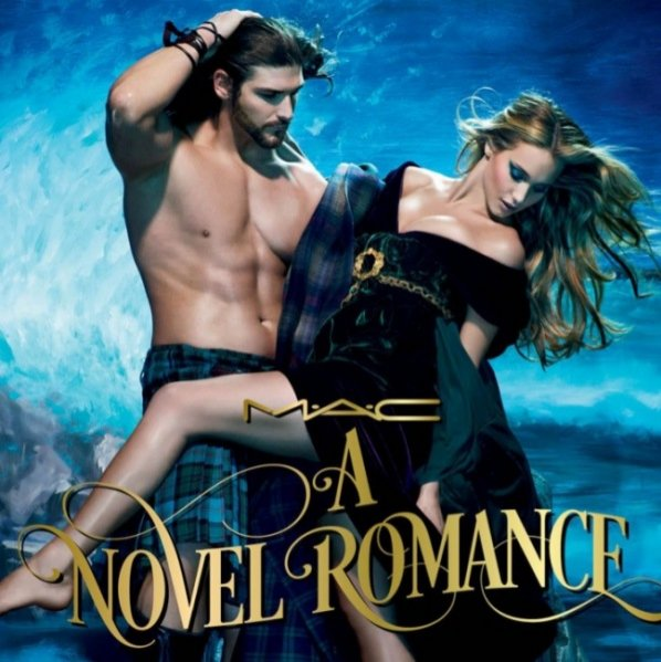 "1. "" A Novel Romance"" – kolekcja MAC Cosmetics"