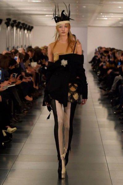 1. Pokaz kolekcji haute couture Maison Margiela wiosna lato 2015