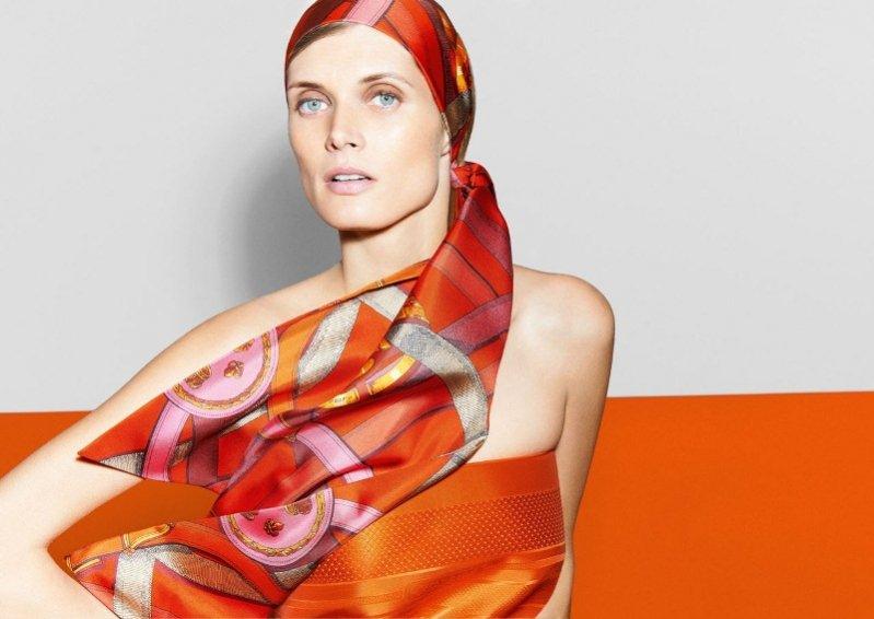 Małgorzata Bela w kampanii apaszek Hermès jesień zima 2013/14