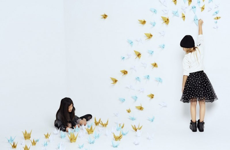 1. MANGO KIDS - LOOKBOOK CHRISTMAS ORIGAMI