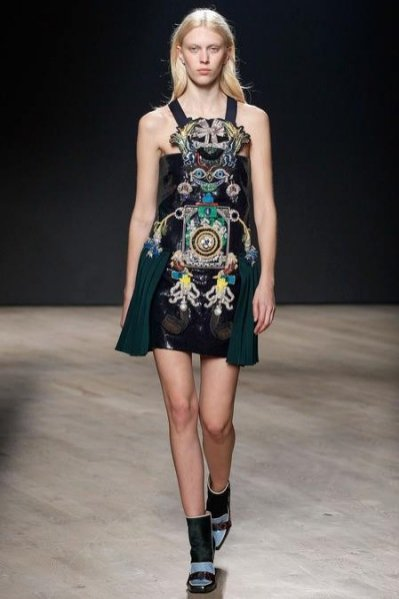 1. Mary Katrantzou - kolekcja jesień zima 2014/2015