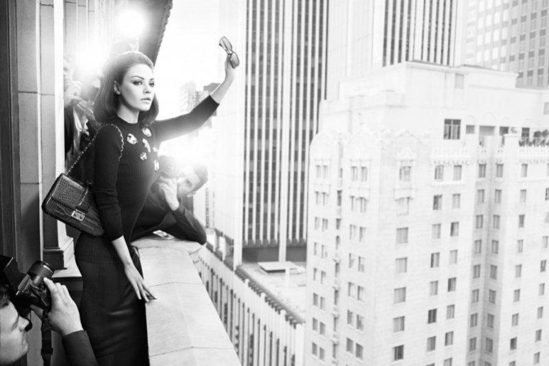 Mila Kunis w kampanii torebek Miss Dior