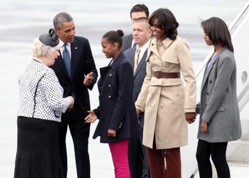 pierwsza dama Stanów Zjednoczonych, Michelle Obama w trenczu Burberry