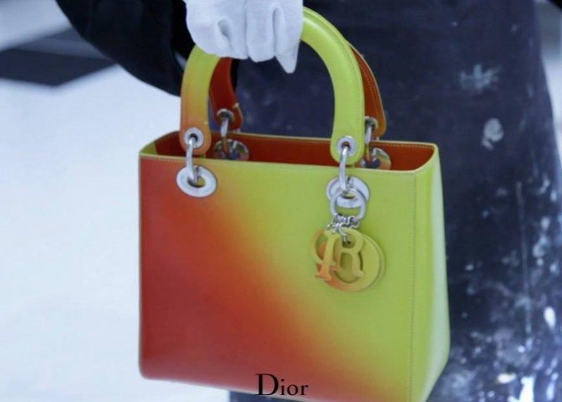 1. Marion Cotillard w kampanii torebek Miss Dior - Resort 2014