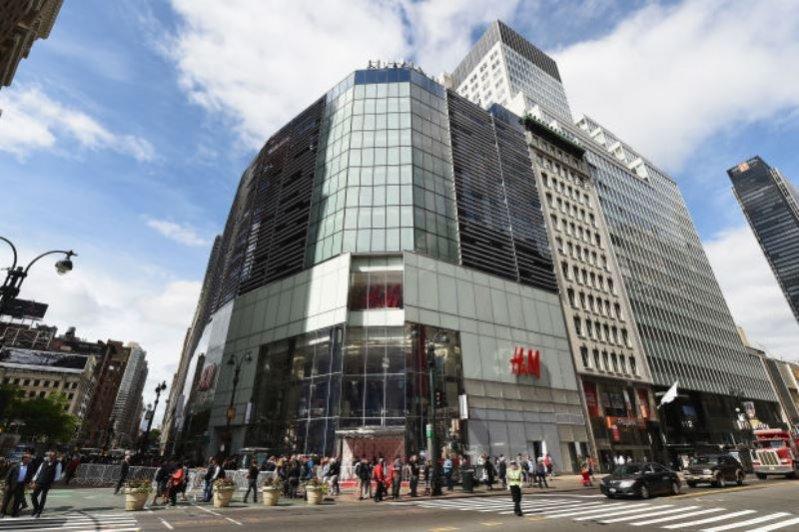 1. NAJWIĘKSZY NOWOJORSKI SKLEP H&M OTWARTY