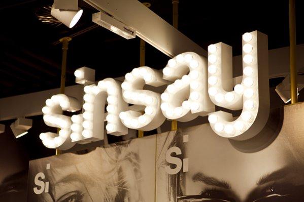 Otwarcie pierwszego w Warszawie sklepu marki Sinsay w Atrium Reduta