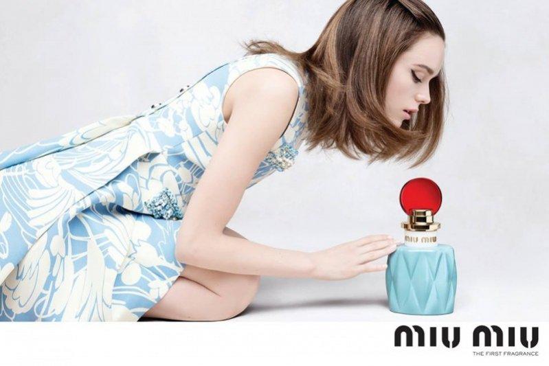 Kampania pierwszych perfum Miu Miu
