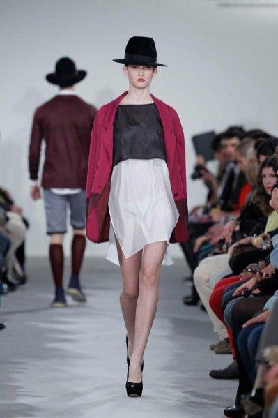 Pokaz kolekcji Piotra Drzała na sezon jesień zima 2012 podczas LIsoba Fashion Week