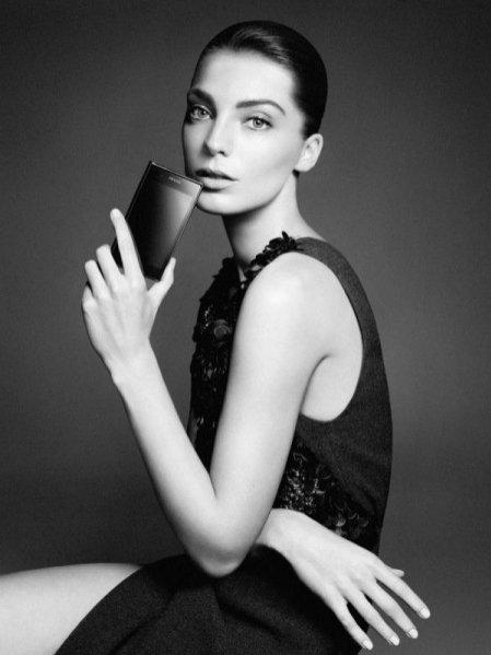 Daria Werbowy w kampanii telefonu Parda 3.0 od LG