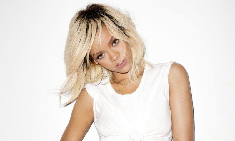1. Bitwa Na Włosy: Fryzury gwiazd - Rihanna