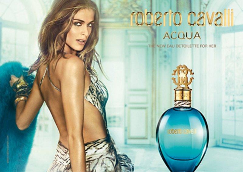 Elisa Sednaoui w kampanii zapachu Roberto Cavalli Acqua