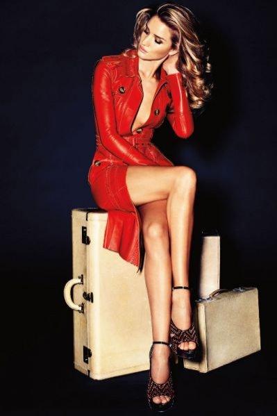 Rosie Huntigton-Whiteley w sesji Best friends dla Vogue Germany