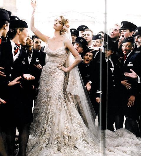 fot. Mario Testino, stylizacja Lucinda Chambers, modelka Arizona Muse, Vogue UK (05/2011)