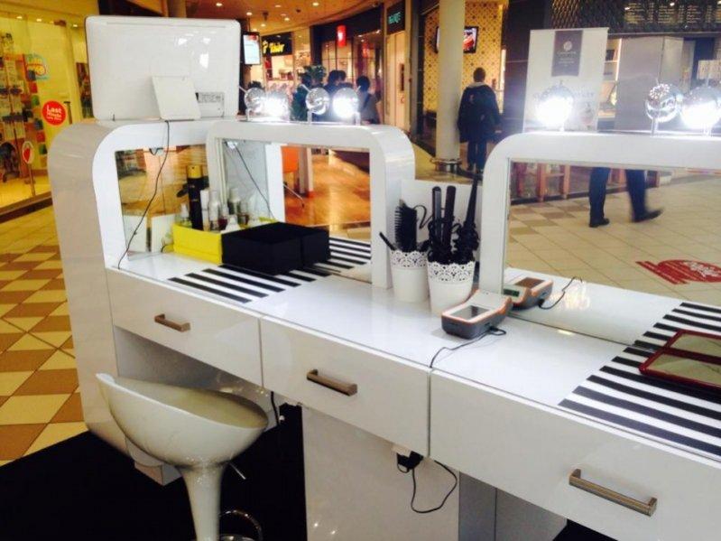 1. Salon fryzjerski Voila