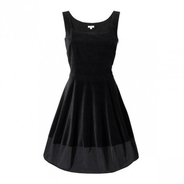 czarna sukienka Solar