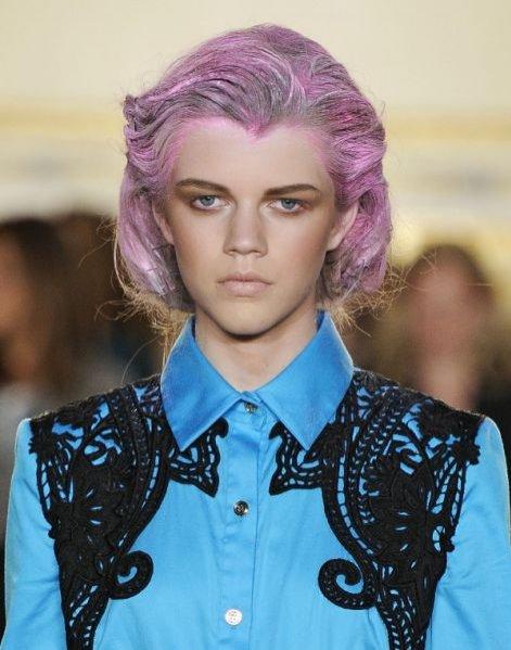 kolorowe fryzury na pokazie Thakoon wiosna lato 2012