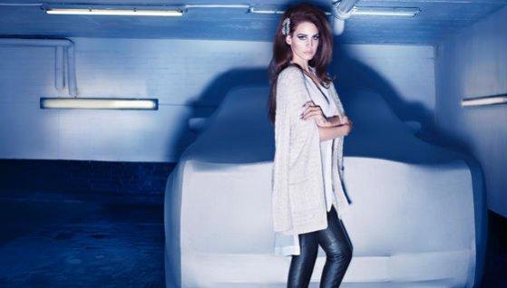 Lana del Rey w zimowej kampanii H&M